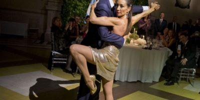 Los pasos de baile sorprendieron a los espectadores. Foto:AP