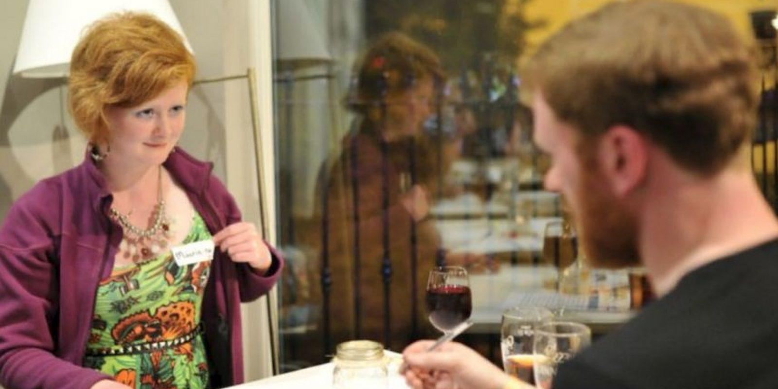 7. Se debería beber con moderación… pero siendo sinceros, pasarse de copas es más común (quizá para liberar tensión). Foto:vía Getty Images
