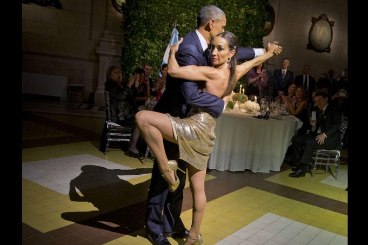 Barack Obama y Mora Godoy bailando tango Foto:AP