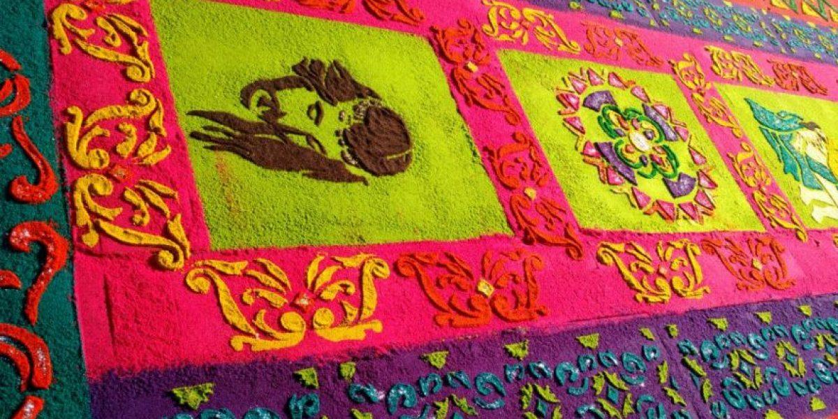 Color, dedicación y creatividad en cada una de estas alfombras que embellecen La Antigua