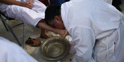 Lavatorio de pies de Jueves Santo en templo El Calvario