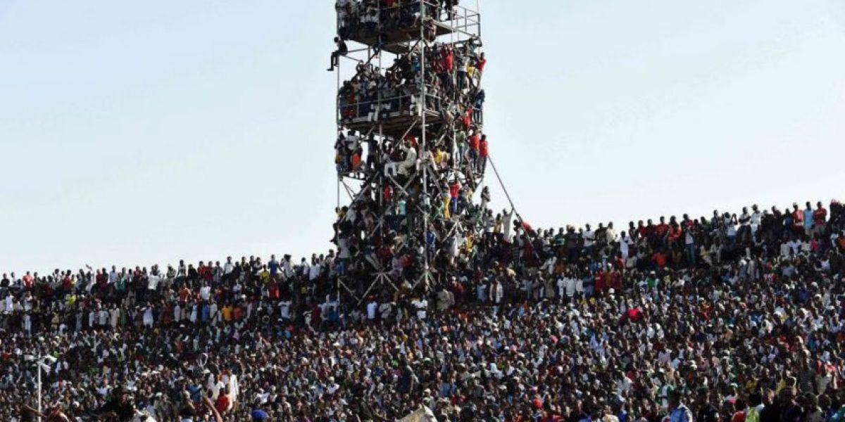 Sobrecupo: Más de 40 mil hinchas vieron el Nigeria vs. Egipto en un estadio para 25 mil