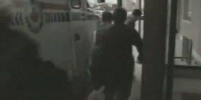 Este hombre se cansó de huir de la policía y se detuvo a descansar. Foto:Imgur