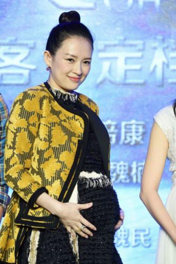 Se comprometió con el músico Wang Feng. Foto:vía Getty Images