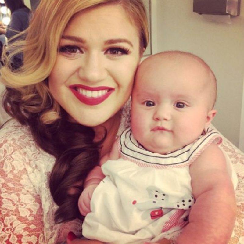 Kelly Clarkson también es madre. Foto:vía Getty Images