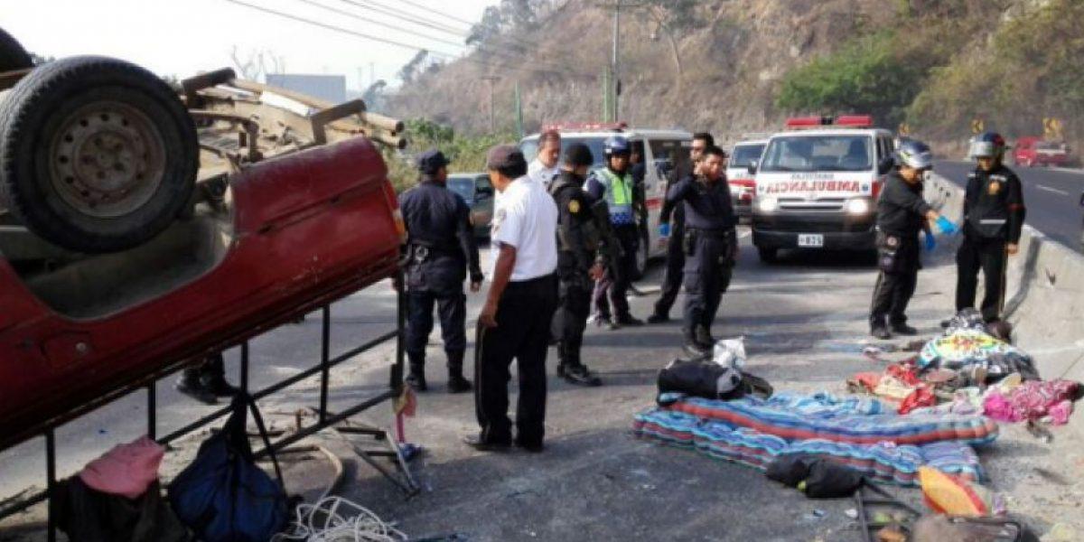 Fatal accidente en ruta al Pacífico complica regreso de veraneantes