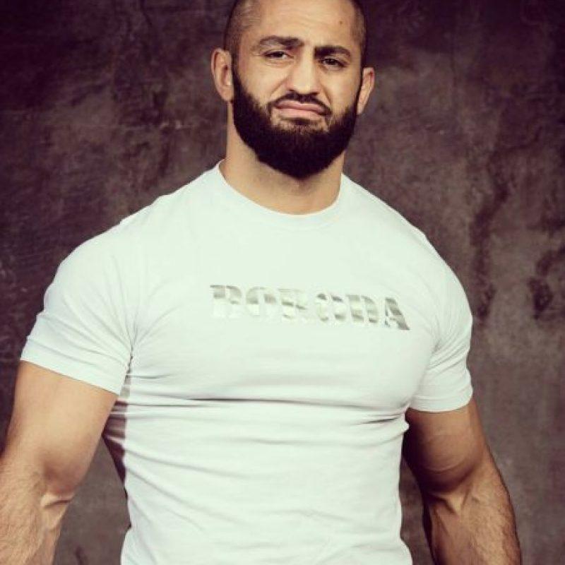 Es un peleador ruso de 27 años Foto:Vía facebook.com/AdamBorodaYandiev