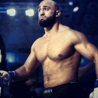 """Es conocido como """"Beard"""" Foto:Vía facebook.com/AdamBorodaYandiev"""