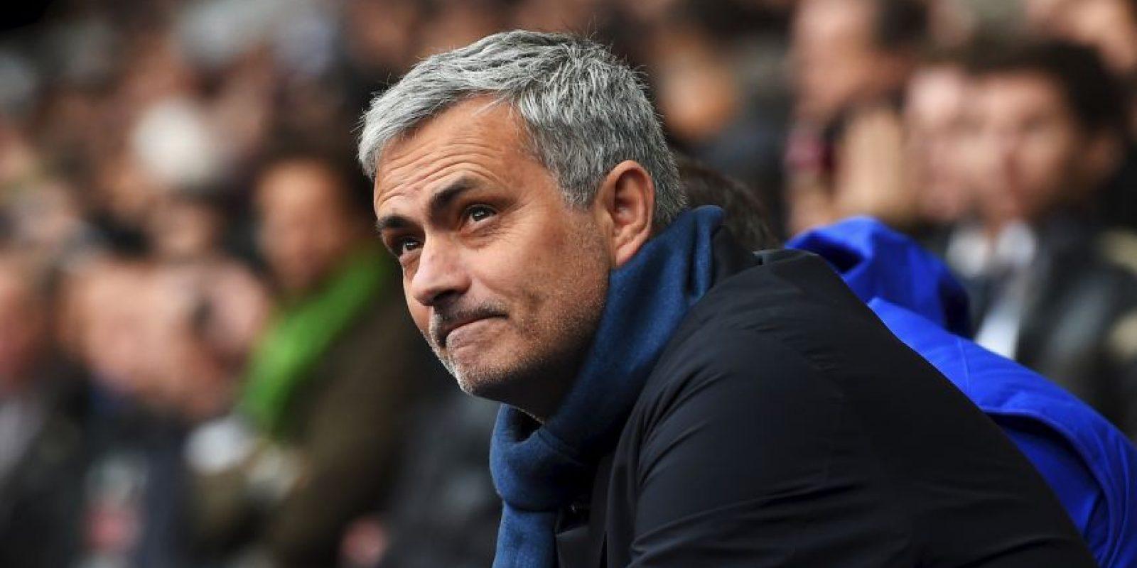 Salió de Chelsea en diciembre de 2015 y en Inglaterra aseguran que dirigirá al Manchester United a partir de julio. Foto:Getty Images