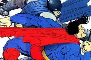 """1. ¿Por qué la armadura de Batman es tan rústica? Porque está basada en la novela de Frank Miller """"The Dark Knight Returns"""". Chris Terrio y Zack Snyder combinaron este universo con otros para construir al personaje, tanto en indumentaria como en carácter. De hecho, se toma el libro de 1986 para esto. Foto:vía DC Cómics"""