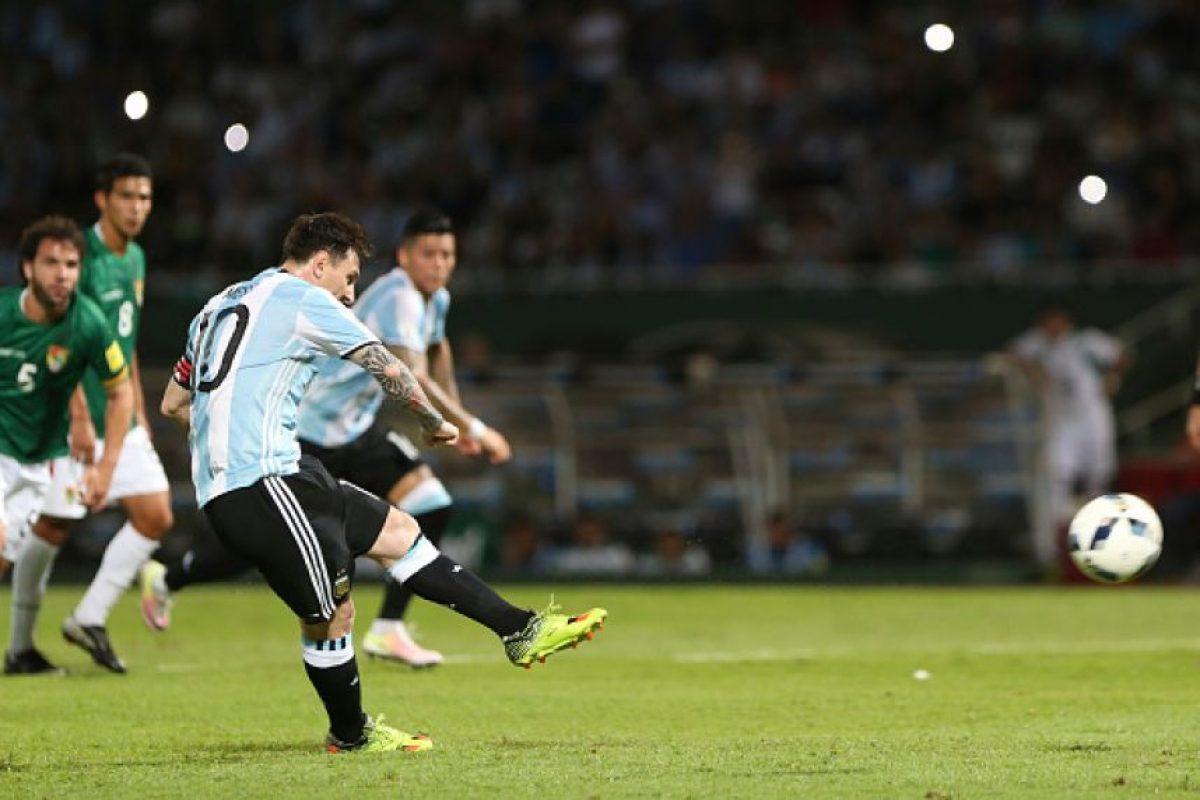 Y Lionel Messi, de penal Foto:Getty Images