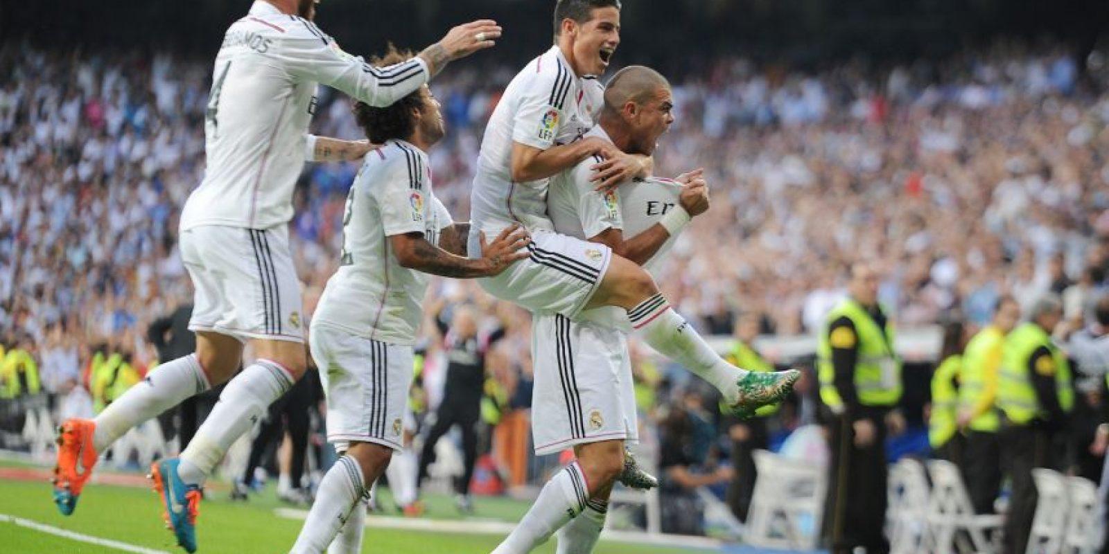 El saldo total de enfrentamientos en partidos de La Liga favorece al Real Madrid que tiene 71 victorias por 68 del Barcelona, con 32 empates. Foto:Getty Images