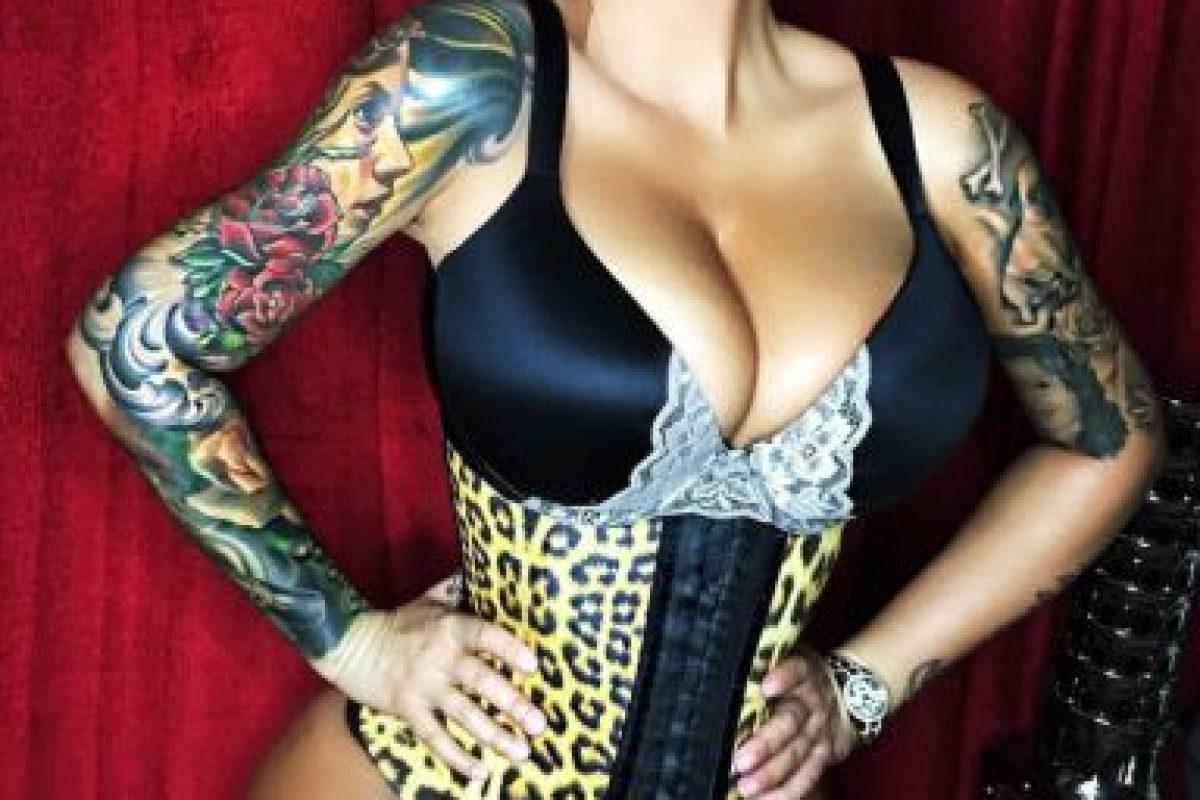 Es una cantante, modelo y diseñadora estadounidense Foto:Vía instagram.com/amberrose