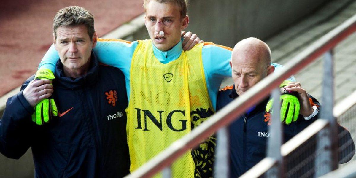 El holandés Klaas-Jan Huntelaar le quebró la nariz al portero Jasper Cillessen en un entrenamiento