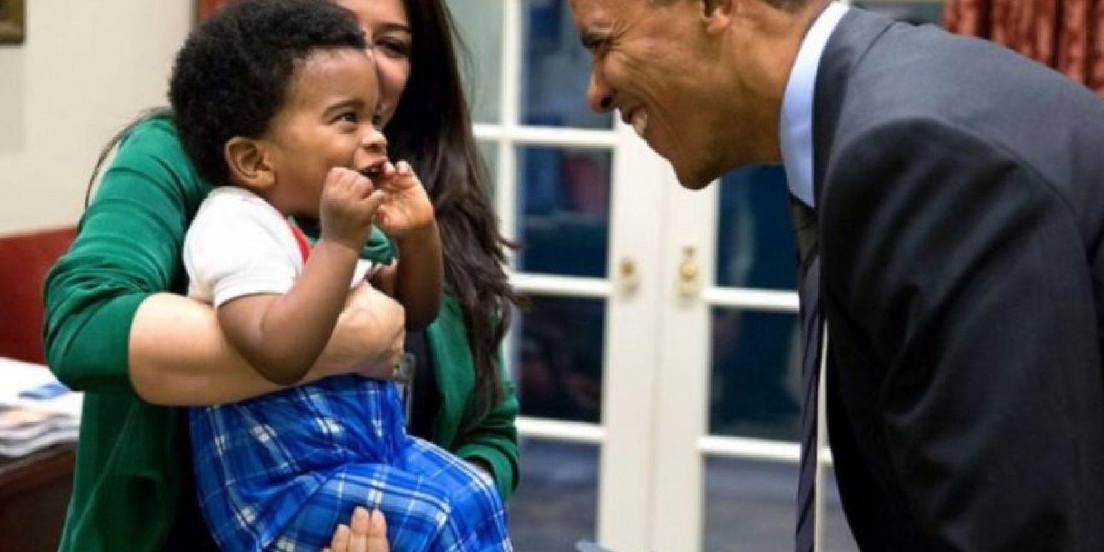 Parece que Obama siempre quiere hacer reír a los niños. Foto: Vía whitehouse.gov/photos