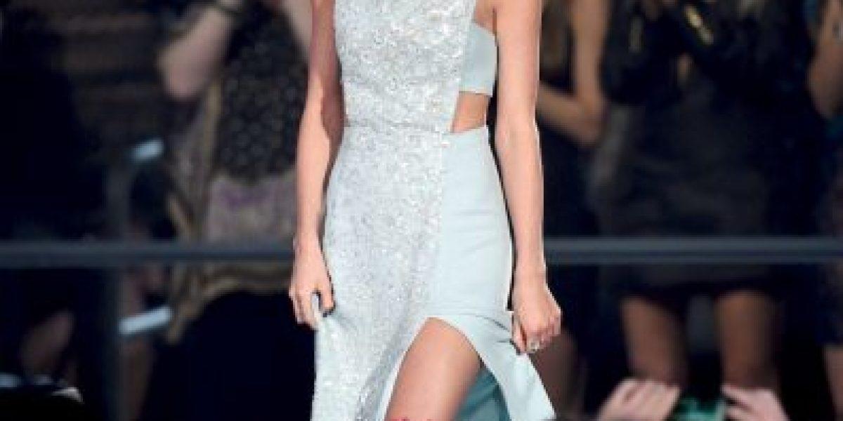 Video: Así fue la dolorosa caída de Taylor Swift