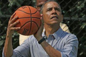 El mandatario estadounidense es fanático del baloncesto. Foto:Getty Images