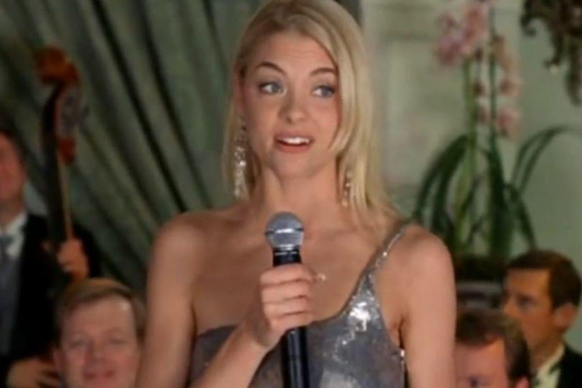 """Jaime King era """"Heather Vandergeld"""", una odiosa heredera y rival de las Wilson. También era novia de """"Heath"""", el actor apuesto y sin trabajo que tenía enamorada a """"Karen"""", amiga de las Wilson. Foto:Wayans Bros. Production"""
