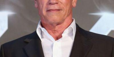 Así consiente Arnold Schwarzenegger a esta misteriosa rubia