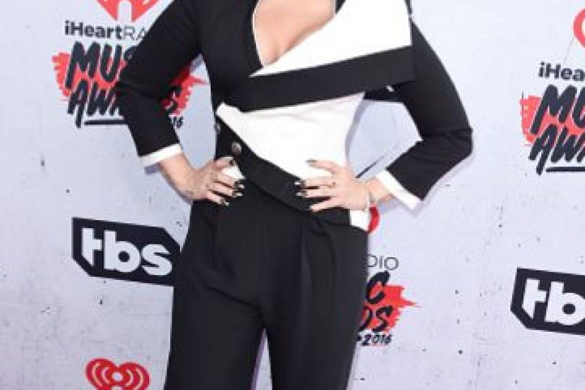 Demi Lovato en una elección no tan desafortunada. Comparado a lo que se le ha visto la mayor parte del tiempo, parece que lo hizo bien. Foto:vía Getty Images
