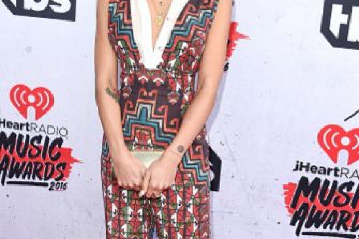 Jhene Aiko en un vestido en tendencia que simplemente se ve opaco. Foto:vía Getty Images