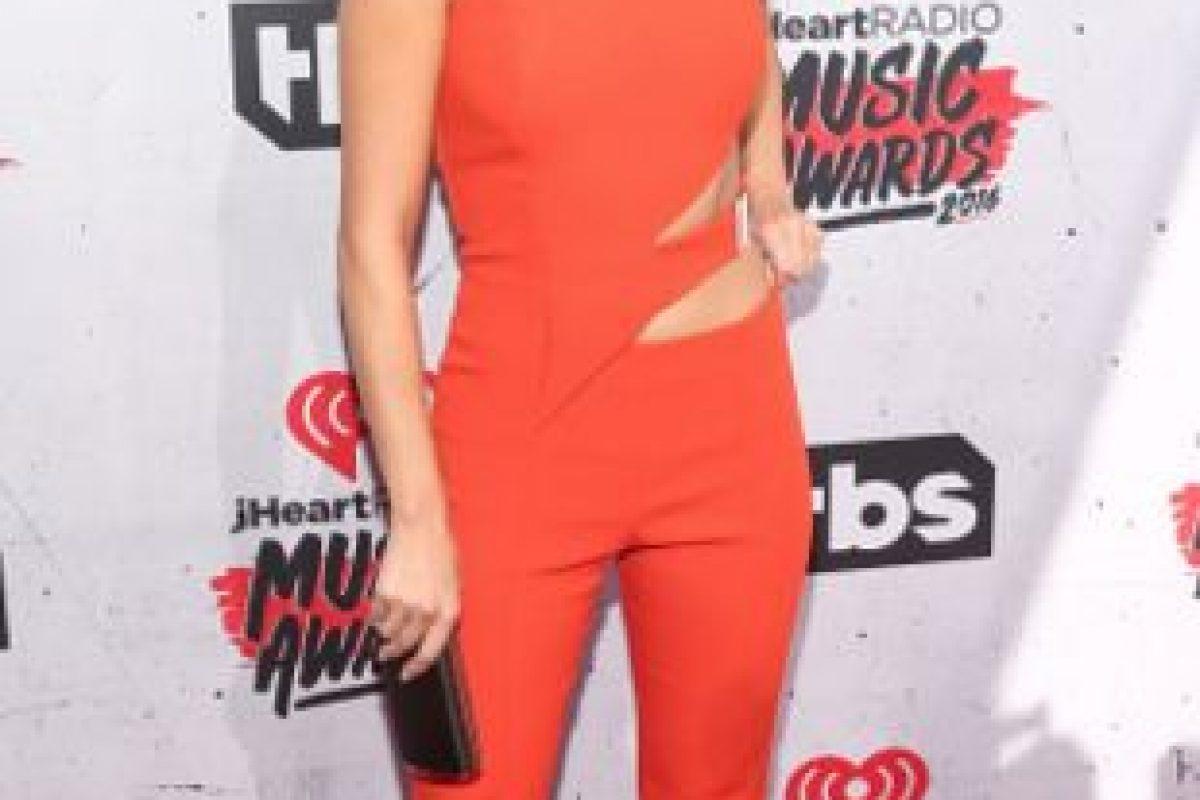 Selena Gómez, en un correcto enterizo. Foto:vía Getty Images