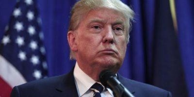 Constructor se retrata con bandera mexicana en torre de Donald Trump