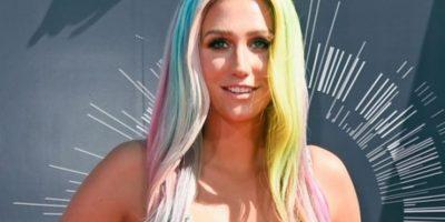 Kesha denuncia chantaje para finalizar el contrato con su productor