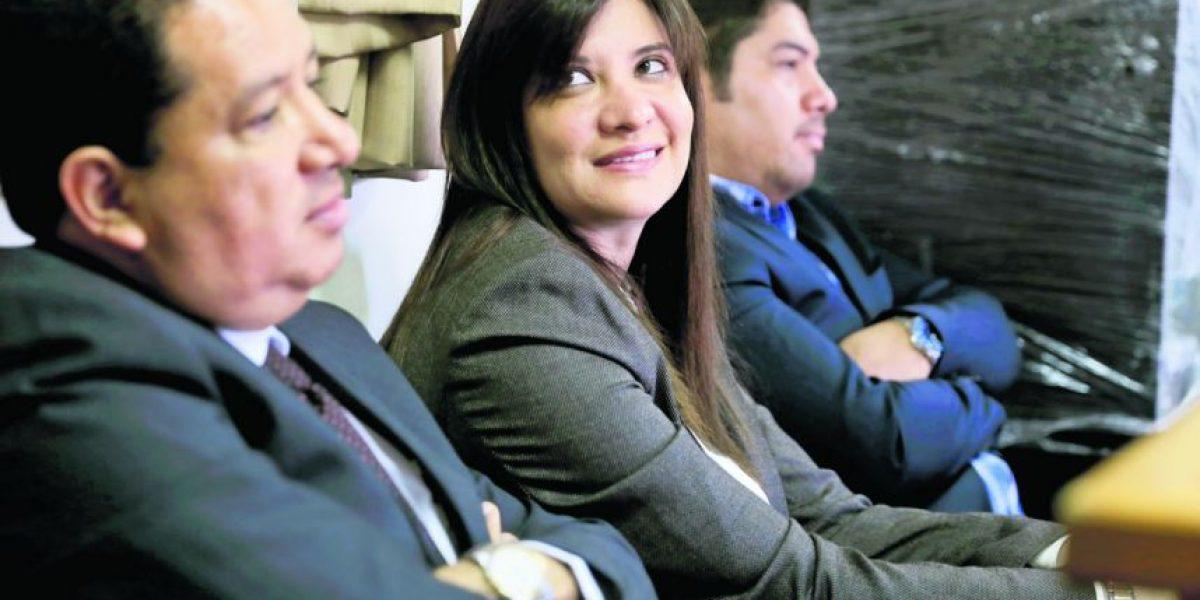 Las cuentas bancarias de hija de Otto Pérez seguirán embargadas por caso La Línea