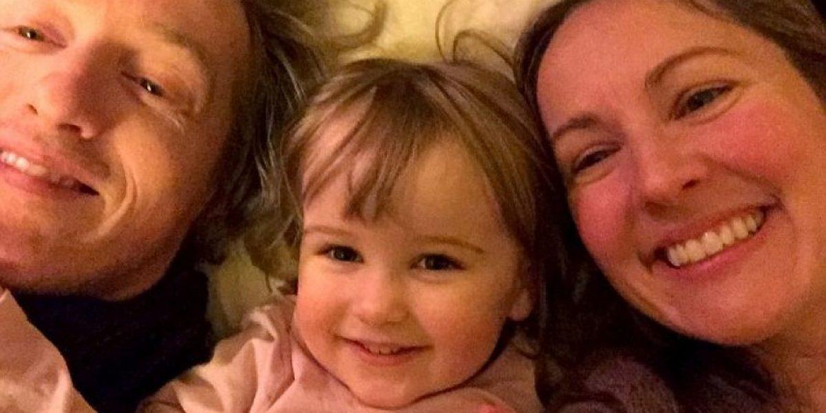 Obligan a mujer a salir de Reino Unido y separarse de su hija por esta razón