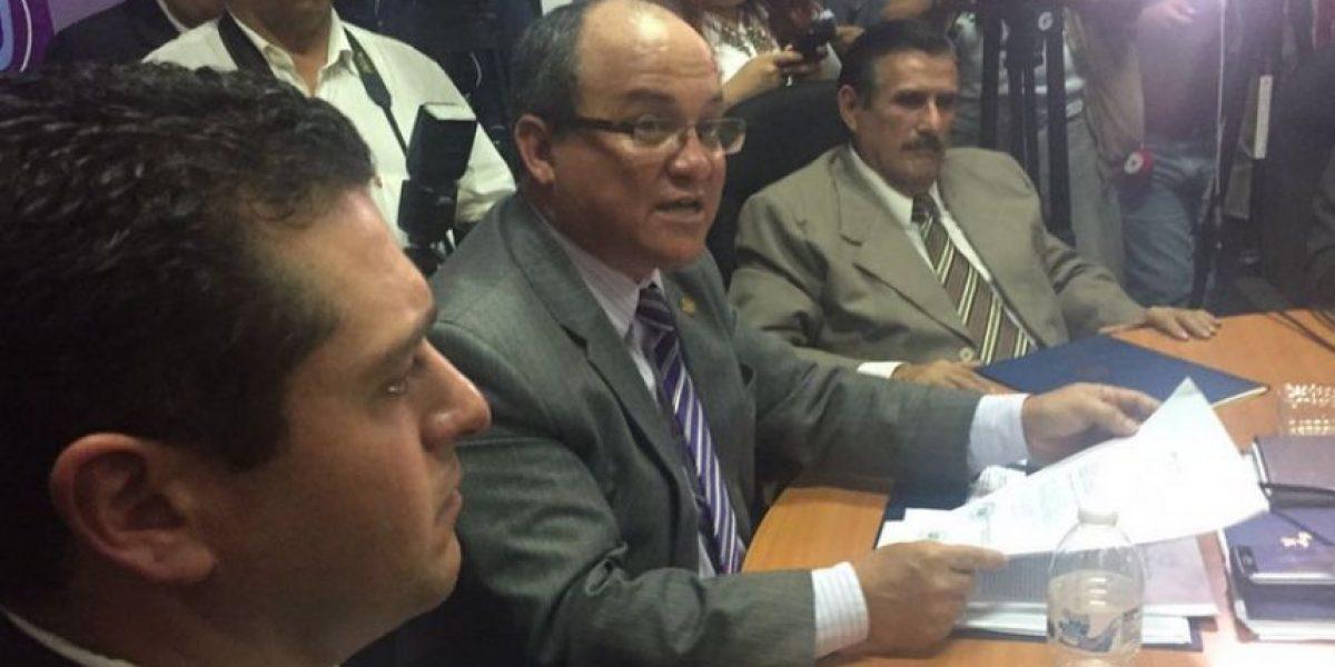 Ministro de Salud envía lista de visitas, la mayoría son del partido oficial