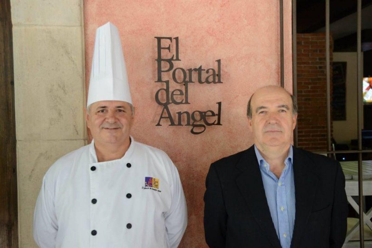 El chef Alfonso Nieva junto al Gerente General del Portal del Ángel, Manuel Ríos Foto:Luis Carlos Nájera