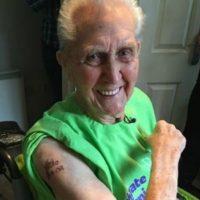 Jack Reynolds el hombre más viejo con un tatuaje Foto:Vía guinnessworldrecords.com