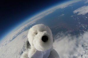 Los niños que lo mandaron a la atmósfera ahora ofrecen recompensa Foto:Twitter.com