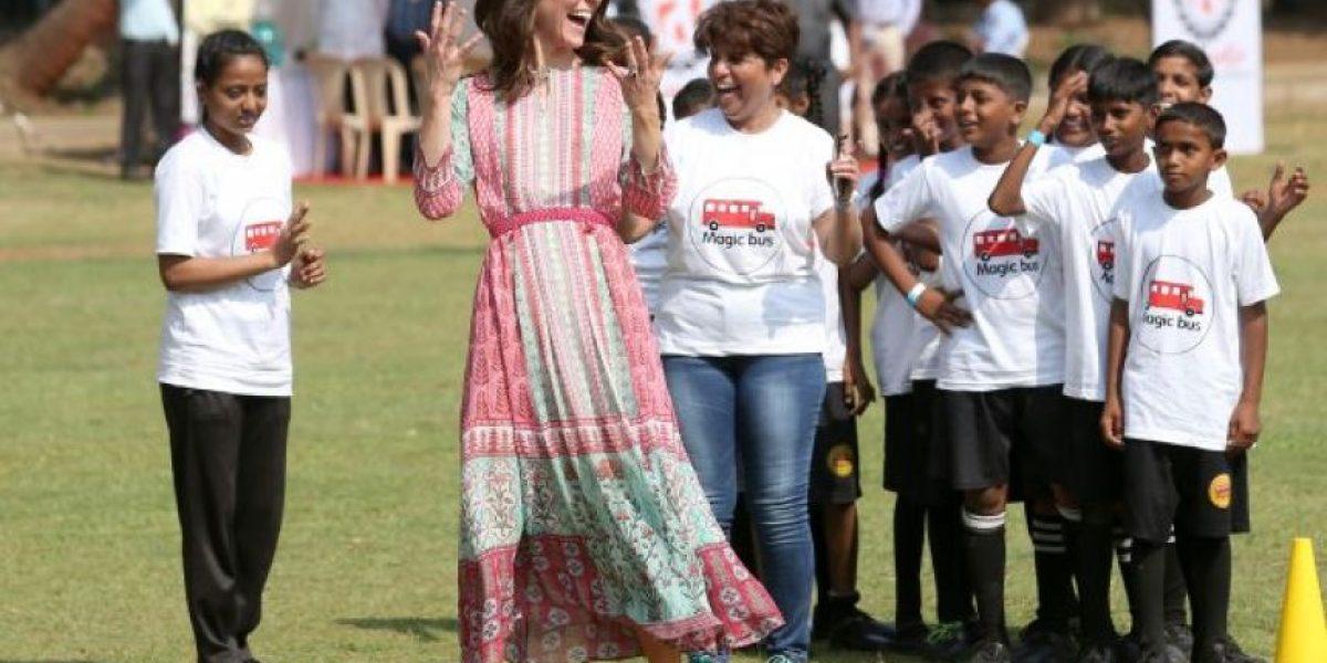 El look de Kate Middleton sorprende en la India con un vestido fresco