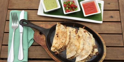 Disfruta el tradicional sabor mexicano en La Cantina 5E