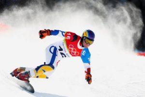 El equipo básico para practicarlo es la mencionada tabla de snowboard, las fijaciones para aferrarse a ella y las botas. Foto:Getty Images