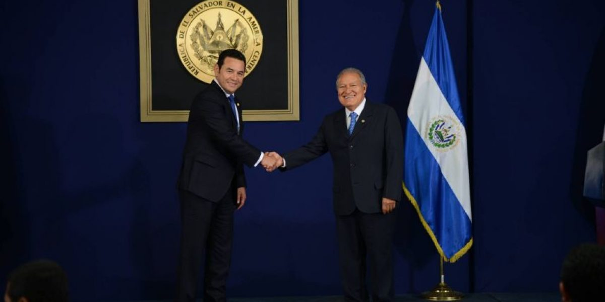 Seguridad y unión aduanera fueron los temas discutidos por presidentes de Guatemala y El Salvador