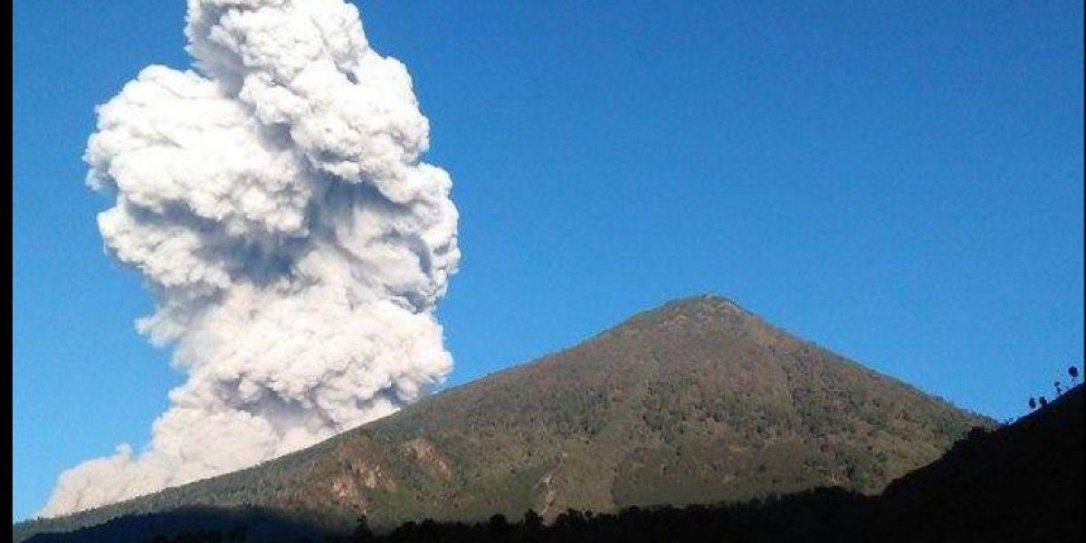 Volcán Santiaguito registra explosión fuerte