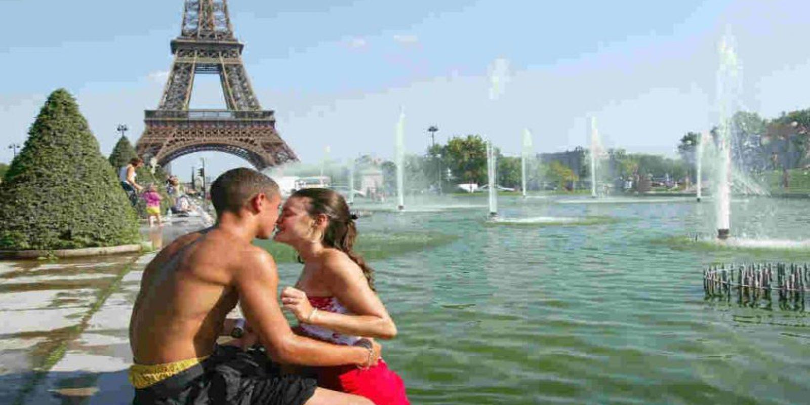 El beso no siempre está ligado al sexo, sin embargo siempre se reconoce como amor. Foto:Getty Images
