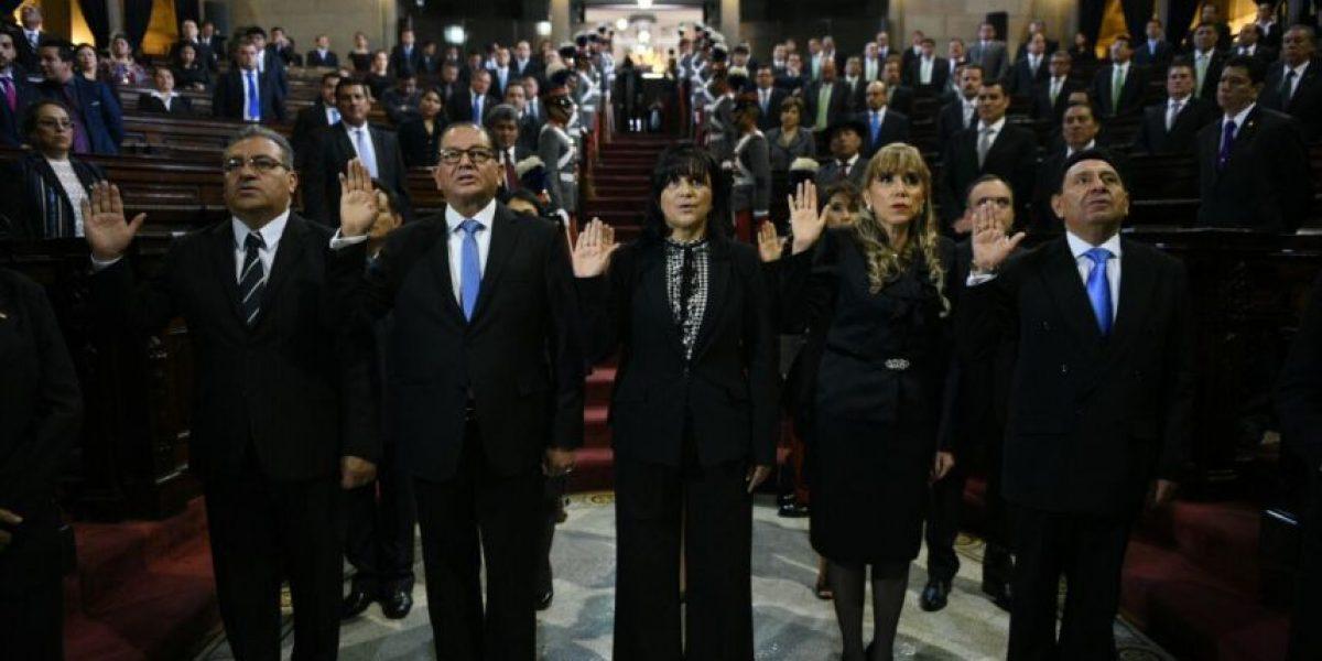 Nuevos magistrados de la Corte de Constitucionalidad toman juramento