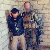 """Y con algunos de sus """"prisioneros de guerra"""" Foto:Instagram.com/peshmerganor"""