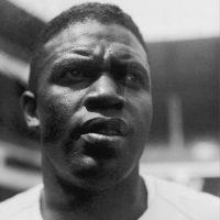 Jackie Robinson nació el 31 de enero de 1919 en el estadio de Georgia, Estados Unidos. Más de un año después, su familia se movió a California. Foto:Getty Images