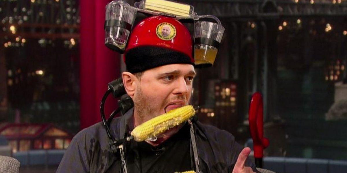 Michael Bublé responde a quienes se burlaron de su forma de comer maíz