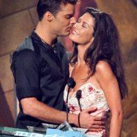 En 1999, besaba a Catherine Zeta-Jones durante los premios MTV. Foto:Getty Images