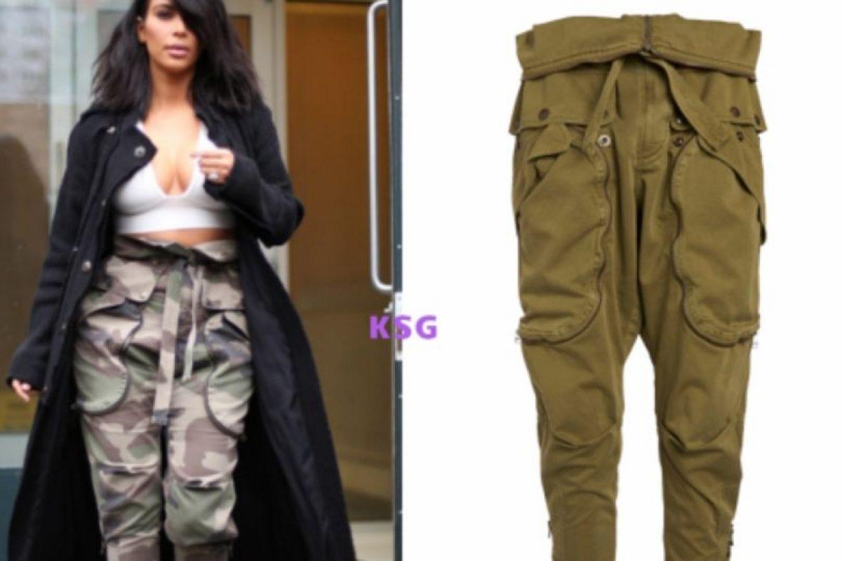 Los peores pantalones cargo del mundo a cargo de Faith Connection. Foto:vía Kim Style Guide