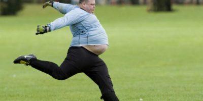 Portero con sobrepeso es la nueva víctima de Photoshop