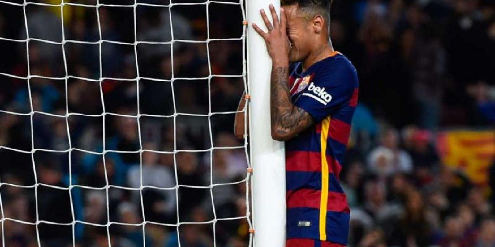 En 2016, el Neymar espectacular del arranque de la campaña se perdió. Este 2016, el jugador ha sido visto de fiesta en fiesta y su nivel ha disminuido drásticamente. Foto:Getty Images