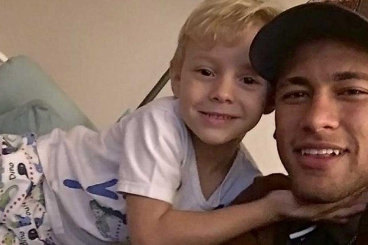 Esto a petición del futbolista, que deseaba estar cerca de su hijo. Foto:Vía instagram.com/neymarjr
