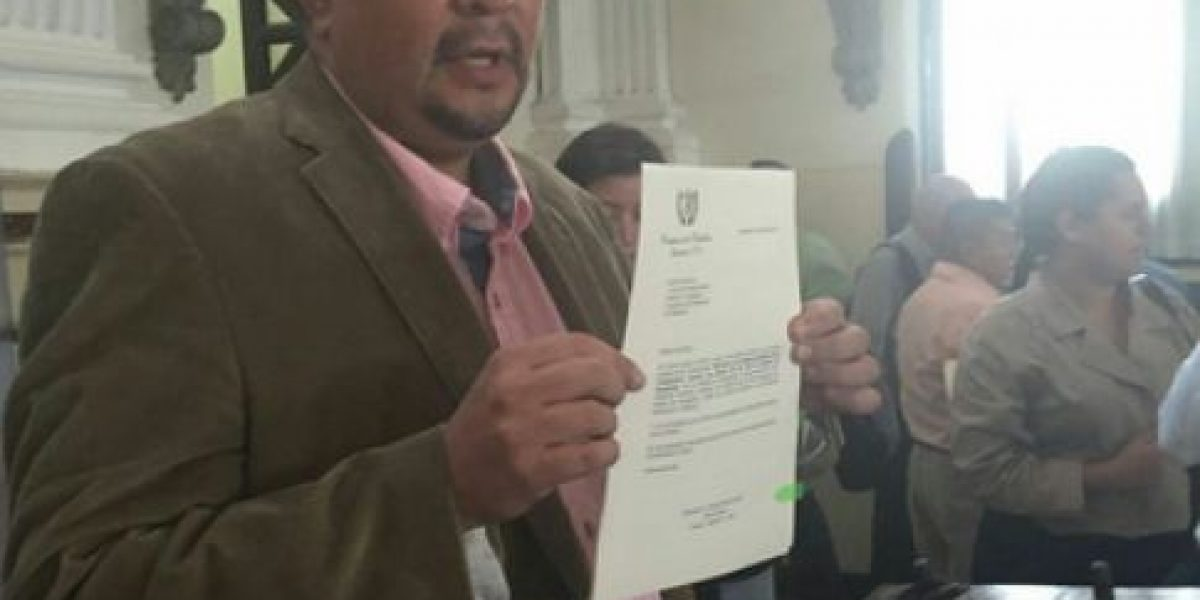 """UNE propone evitar """"injerencias"""" del Ejecutivo en el Bantrab"""